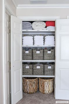 Woodworking Ideas Shelves How to organize your linen closet - linen closet organization.Woodworking Ideas Shelves How to organize your linen closet - linen closet organization Linen Closet Organization, Home Organisation, Kitchen Organization, Closet Storage, Linen Closet Shelving, Organizing Ideas, Organized Linen Closets, Organising, Airing Cupboard Organisation
