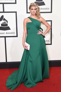 Tori Kelly in Gauri & Nainika - Grammys 2016 Tori Kelly, Red Carpet Dresses 2016, Red Carpet Gowns, Pantone, Grammy Red Carpet, Award Show Dresses, Nice Dresses, Formal Dresses, Prom Dresses