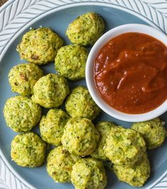 Simple Cheesy Cauliflower Broccoli Tots - a great paleo/low-carb/gluten-free version of tots, perfect way to trick the kids into eating vegetables. Japanese Clear Onion Soup Recipe, Baby Food Recipes, Healthy Recipes, Keto Recipes, Toddler Recipes, Onion Soup Recipes, Broccoli Recipes, Vegetable Recipes, Specific Carbohydrate Diet