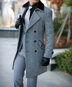 Fashion Long Slim Double Breasted Woolen Mens Overcoat.