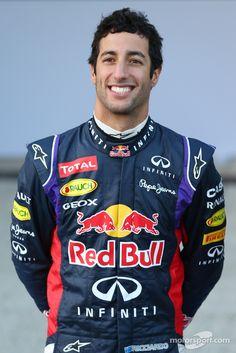 Daniel Ricciardo, Reb Bull Racing at Red Bull Racing launch High-Res Professional Motorsports Photography Ricciardo F1, Daniel Ricciardo, Red Bull Racing, F1 Racing, Drag Racing, Grand Prix F1, Dangerous Sports, F1 Drivers, F 1