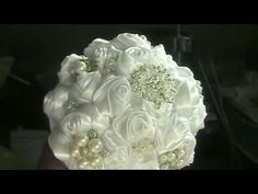 DIY Brooch Bouquet Kit How to Make your Bouquet & Groom's Boutonniere Lily Bouquet Wedding, Calla Lily Bouquet, Wedding Brooch Bouquets, Rose Bouquet, Wedding Flowers, Wedding Day, Broschen Bouquets, Groom Boutonniere, Satin Roses
