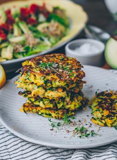 Karotten Zucchini Puffer Klara`s Life Quick Vegetarian Meals, Healthy Vegan Snacks, Vegetarian Cooking, Healthy Recipes, Paleo, Gf Recipes, Veggie Recipes, Whole Food Recipes, Cooking Recipes