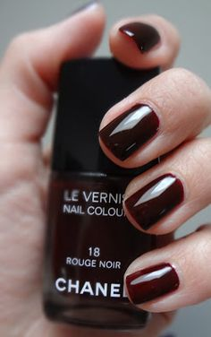 CHANEL Rouge Noir on short nails.