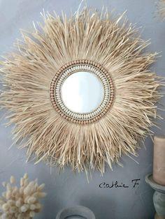 Diy Crafts For Home Decor, Diy Wall Decor, Diy Bedroom Decor, Mirror Crafts, Diy Mirror, Decoration Buffet, Decoration Originale, Boho Diy, Baskets On Wall