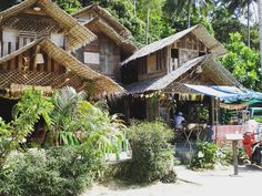 Amazing arciteucture with wood-houses in Koh Phangan with an realy small nur very good restaurant inside  #thailand #asia #traveling #traveling #house #wood #forest #rainforest #jungle #arcitecture #amazing #nature #photography #backpacking #sun #sunnyday #vacation #holiday #trees #green #building #roadtrip #landscape by frau.hobbit