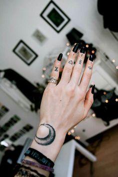 ▷ The latest Scream - Finger Tattoo: 65 tattoo motives to fall in love with! finger tattoo The latest Scream - Finger Tattoo: 65 tattoo motives to fall in love with! Mini Tattoos, Trendy Tattoos, Sexy Tattoos, Unique Tattoos, Cute Tattoos, Beautiful Tattoos, Body Art Tattoos, Tattoos For Guys, Tattoos For Women