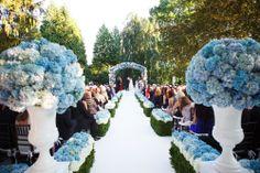 white and blue hydrangea ceremony