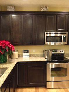 Bon Kitchen Cabinets With Crown Molding   Sarsaparilla