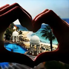 Happy Valentine's Day - #RIUlovers – Love – Join the giveaway and win a 5-night stay: http://shared.riu.com/landings/instagram/riulovers.html