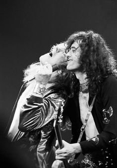 Led Zeppelin: Robert Plant and Jimmy page on stage.