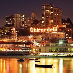 #SanFrancisco, #California (#Ghirardelli #Square) - #Best #crab #chowder down the #road at #Boudin's #Bread Co ! Les #meilleures #chaudrées de #crabes sont à San Francisco !