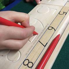 """""""What the hand does the mind remembers."""" ~ Maria Montessori Mehr zur Mathematik und Lernen allgemein unter zentral-lernen.de"""