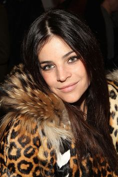 Julia Restoin-Roitfeld - love her hair colour. stunner