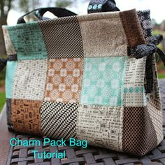 http://www.girlsinthegarden.net/2014/11/charm-pack-bag-tutorial.html?m=1 Charm Pack Bag - Tutorial