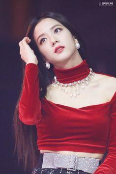 Kim Jisoo ah Ms Korea! Kim Jennie, Jenny Kim, Blackpink Jisoo, Kpop Girl Groups, Korean Girl Groups, Kpop Girls, Black Pink ジス, Blackpink Photos, Blackpink Fashion