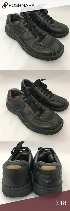 Men's Sketchers size 8.5 Black Men's Sketchers size 8.5 Black  great condition . perfect for more dressy or casual . Pictures don't really show how nice they look. Great pair of shoes Skechers Shoes Sneakers
