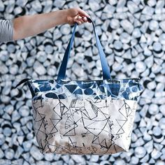 Time to plan all your #lizzyhouseprintmaking projects! Our pre-order was just posted. You will want to sew ALL the things with this canvas. Pictured here is the @noodlehead531 Zip Top Tote from #handmadestylebook sewn up by @dear_debbie_