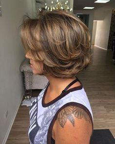 29 Short Hairstyles Terrific For Thick Hair – Wild About Beauty Short Hairstyles For Thick Hair, Haircut For Thick Hair, Short Hair Cuts, Auburn Balayage, Balayage Hair, Medium Hair Styles, Curly Hair Styles, Black Curls, Mohawk