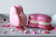 Valentine's Heart Macarons (Recipe & photo by Liv For Cake) #sweeticity #macarons #ValentinesDay