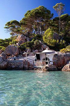 Playa de Algaiarens en Menorca, Islas Baleares, España. Enviado por: cancersintomas.com