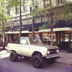 Awesome old Ford Bronco.