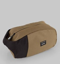 Crumpler The Artisanal Loaf Toiletry Bag - Beech/Black