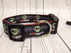 I heart Love Zombies Dog Collar. ❤️