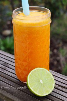 Jus de carottes, orange, citron vert et gingembre Tasting Good Naturally: Carrot, orange, lime and ginger juice # vegan Detox Diet Drinks, Juice Cleanse Recipes, Detox Juice Cleanse, Detox Juices, Detox Recipes, Diet Detox, Healthy Detox, Healthy Drinks, Vegan Cru