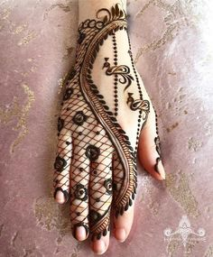 Latest Amazing Mehndi Designs For Parties Hello Guys! here you will see Latest Mehndi Designs with Amazing Patterns for your Hands and. Mehndi Designs For Kids, Rose Mehndi Designs, Stylish Mehndi Designs, Latest Bridal Mehndi Designs, Henna Art Designs, Mehndi Design Images, Wedding Mehndi Designs, Dulhan Mehndi Designs, Mehendi