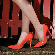 Curta essa foto se você ama sapatos coloridos. E aproveite para passar na nossa loja virtual também.  http://ift.tt/1SLG2kZ
