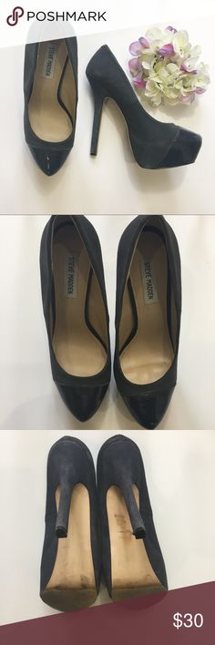 Steve Madden Grey Heels Size 9 EUC Steve Madden Heels in size 9. 6 inch heels. Only defect is the marker removing on the bottom. Plenty of life left in these pumps. Steve Madden Shoes Heels