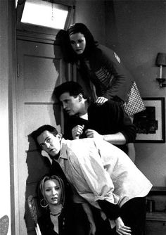 Image shared by TOP SERIE FILM. Find images and videos about funny, friends and Joey on We Heart It - the app to get lost in what you love. Friends Tv Show, Serie Friends, Friends Cast, Friends Moments, Friends Forever, Best Friends, Chandler Friends, Best Series, Best Tv Shows