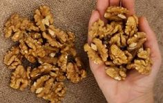 Eat 5 Walnuts Then Wait 4 Hours: This Is What Will Happen To You! - Research shows eating a handful of walnuts a day protects the body against. Health And Nutrition, Health And Wellness, Health Tips, Dog Food Recipes, Healthy Recipes, Healthy Food, Health Remedies, Natural Health, Kids Meals