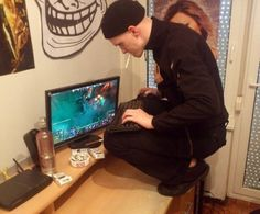 _thumb slavic gaming o - XD l Funny pictures videos meme gamer games quote Satire, Cover Design, Dankest Memes, Jokes, In Soviet Russia, Meanwhile In Russia, Russian Humor, Funny Russian, Military Memes