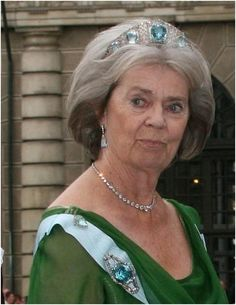 Princess Margaretha, the King's sister, surprised tiara watchers when she wore the aquamarine kokoshnik tiara to Crown Princess Victoria's wedding in 2010. This tiara, with matching brooch, was brought to Sweden by Princess Margaret of Connaught, Crown Princess of Sweden, and comprises large aquamarines in a diamond setting.