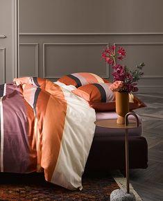 Sinds afgelopen week vind je in Amersfoort, Duiven, Maastricht en Zaandam de nieuwe Essenza voorjaarscollectie! Steek je slaapkamer in het nieuw met frisse, kleurrijke voorjaar-prints!   #Loods5 #interieur #wonen #interiorshopping #home #homeshopping #interiordesign #loods5inhuis #essenza #slapen #bed #slaapkamer #beddengoed Dream Decor, Living Room Bedroom, Restaurant Design, Kitchen Decor, House Design, The Originals, Interior, Inspiration, Furniture