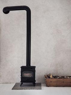 Dreamy Summer Getaway on Gotland - Nordic Design Rustic Style, Modern Rustic, Do It Yourself Design, Natural Interior, Scandinavian Interior Design, Wood Burner, Minimalist Interior, Minimalist Design, Home And Deco
