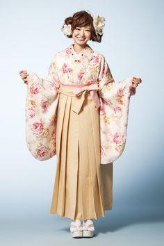 LIZLISA(リズリサ)袴 ピンク色 LIZLISA(リズリサ)袴 STYLEが大人気 卒業式の袴Styleは女の子の特別な1日!友達と差をつける!! 格安にてご提供! Kimono Dress, Yukata, Japanese Kimono, Japanese Culture, Kimono Fashion, Traditional Outfits, Trendy Outfits, Asian, Clothing