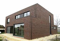 Ramen, New Homes, Cottage, House Design, Mansions, Bricks, House Styles, Building, Interior