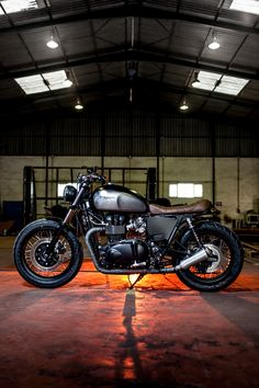 Macco Motors Triumph Bonneville SE | Man of Many