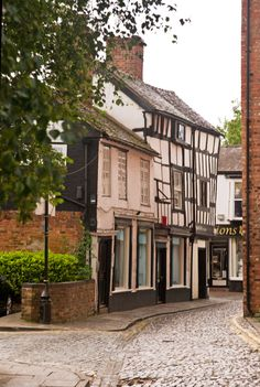 A small quiet street in Nantwich, Nantwich, Cheshire - The origins of the settlement date to Roman times.and carry a sword. Great Places, Places To Go, Beautiful Places, Patagonia, English Village, British Countryside, England And Scotland, To Infinity And Beyond, British Isles