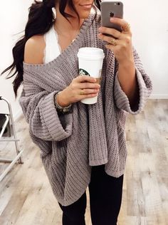 Morning coffee wearing a cozy style baggy pullover, baggy sweaters, oversized sweaters, oversized Baggy Pullover, Baggy Sweaters, Baggy Sweater Outfits, Oversized Sweaters, Winter Sweaters, Sweater Weather Outfits, Winter Coats, Oversized Sweater Outfit, Winter Jackets