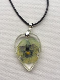 Romantic Viola Rosin Necklace by ShellsArtGarden on Etsy Handmade Necklaces, Handmade Items, Handmade Gifts, Clear Resin, Dried Flowers, Necklace Lengths, Jewelry Collection, Pendants, Romantic