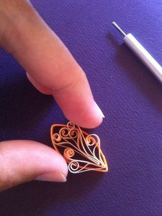 Rachielle's Quilling: techniques - looks really simple, will have to give it a go