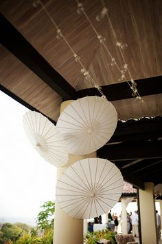 like the idea of umbrellas in corners for added dimension