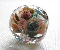 japanese lampwork bead by Noami Kondo ( plumerias)