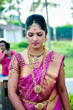 Bright Pink Indian Wedding Ideas - Wed Me Good Indian Bridal Sarees, Indian Bridal Outfits, Indian Bridal Fashion, Indian Bridal Wear, Bridal Lehenga, Saree Wedding, Tamil Wedding, Wedding Bride, Wedding Dresses