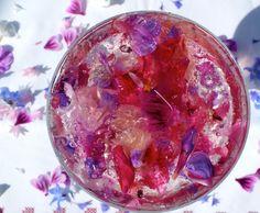 Petal & prosecco jelly