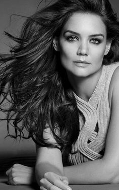 Katie Holmes ✔ beauty - desire - fashion - hair - makeup - blonde - brunette